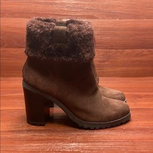 H by Halston brown faux fur booties 5 NWOB